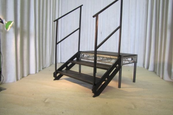 Metal Step Unit with Standard Safety Rails