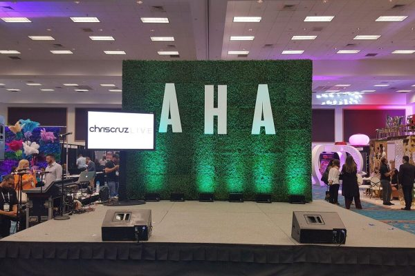 Quest-Events-Totally-Mod-Corporate-Special-Events-Set-Stage-Scenic-Design-Tradeshow-Decor-Custom-PVC-Letters