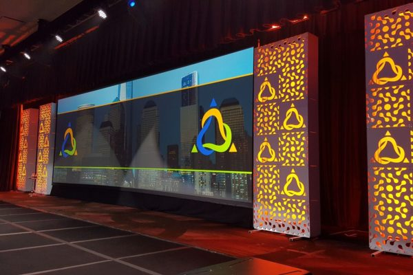 Quest-Events-Totally-Mod-Corporate-Special-Events-Set-Staging-Scenic-Design-Hotel-Conference-Convention-Center-Cocktail-Hour-Cut-Out-Style-Tyles-Walls-min