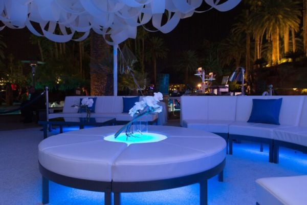 Quest-Events-Totally-Mod-Special-Events-Scenic-Design-Outdoor-Lounge-Furnishings-Leather-Seating-Ottoman-min