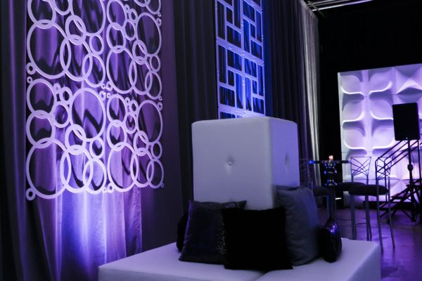 Quest-Events-Visual-Elements-Nashville-Corporate-Special-Events-Furnishings-White-Leather-Seating-Unit-Charging-Station-Decor-GeoPanels-FormSet-Drape-min