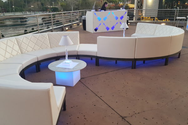 TOTALLY-Mod-Quest-Events-Soft-Seating-Configuration-Inverted S - outdoor-illum-short-table-Event3