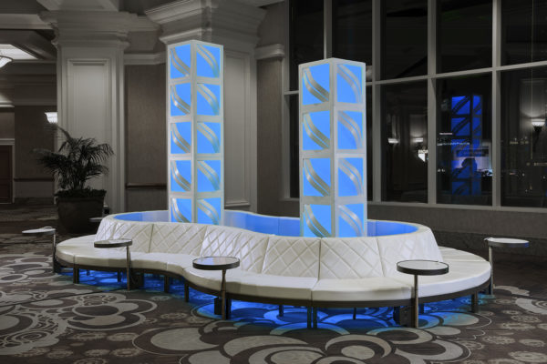 Totally-mod-2018-exhibitor-live-quest-style-tyles-event-furnishings-corporate-rental-soft-seating-infinity-columns