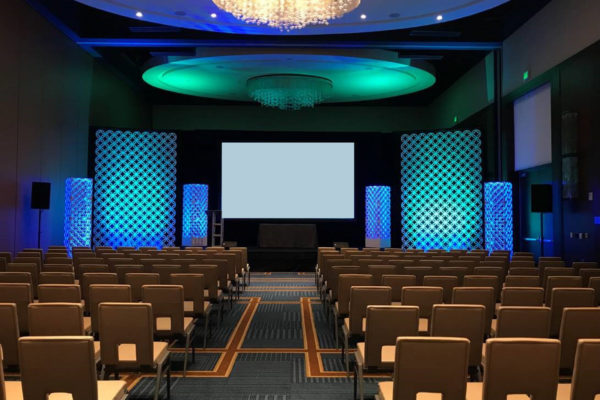quest-events-rental-scenic-backdrop-interlocking GEO panels and towers