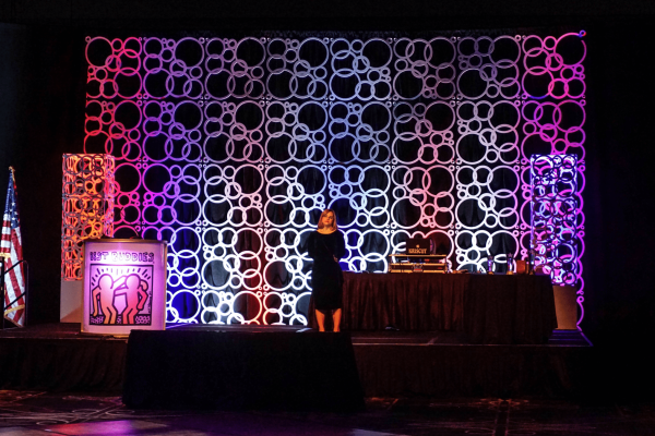 quest-events-annual-conference-stage-backdrop-scenic-rental-geo-series-geo-panels-geo-towers-min