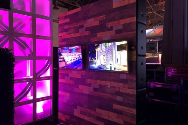 style-tyles-printed-wood-freestanding-wall-monitor-display-quest-events-rental
