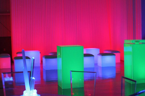 event-rentals-table-cocktail-acrylic-dining-table-custom-center-piece-totally-mod-lighted-spheres