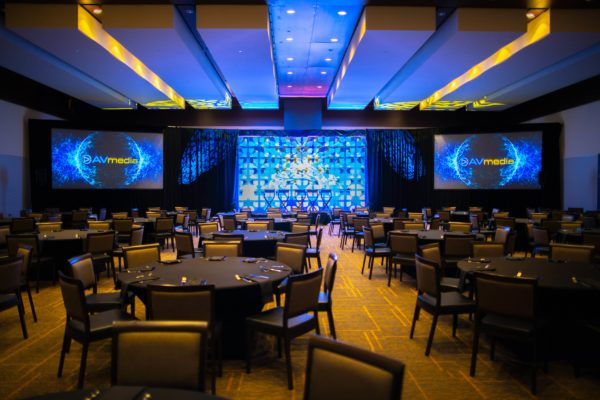 Style-Tyles-Stage-Backdrop-3D-Orlando-Luncheon-Rental-Quest-Events