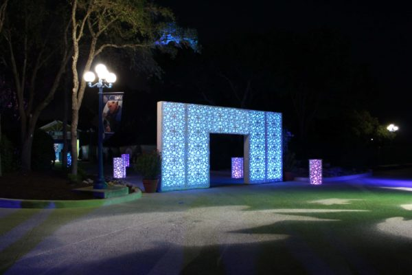 style-tyles-quest-events-outdoor-event-rentals-entryway-illuminated-bubbles-pattern-san-antonio
