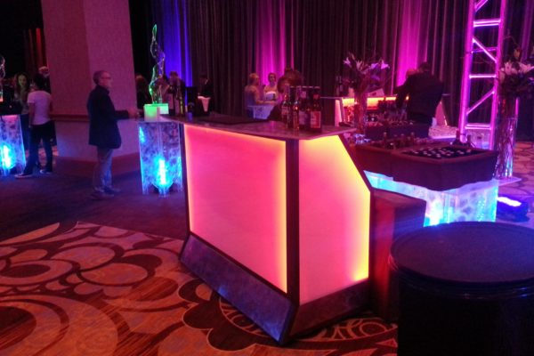 convertabar-bar-rental-quest-events-totally-mod-illuminate-LED