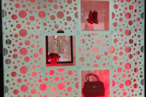 Style Tyle_Wall_Bubble_Shelf_display_Macys_003-min