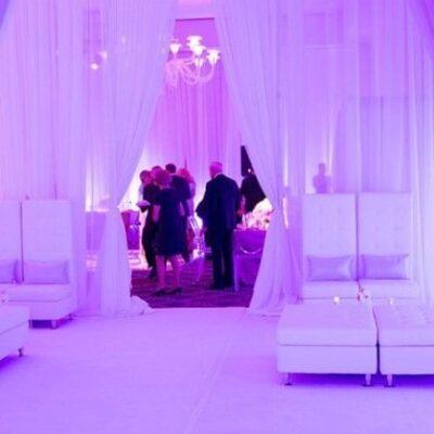 Blush_Hawthorne_white sofas_cubes_Wedding_2